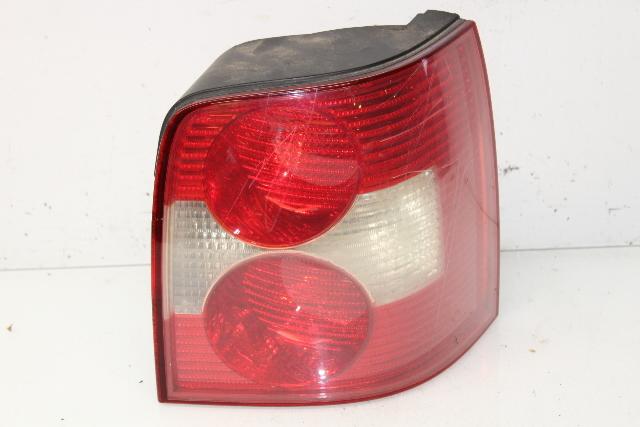 2001 2002 2003 2004 2005 Volkswagen Passat Wagon Right Tail Light Lamp