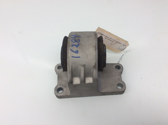 2005 2006 Land Rover LR3 Automatic Transmission Gearbox Support Mount 4618099231
