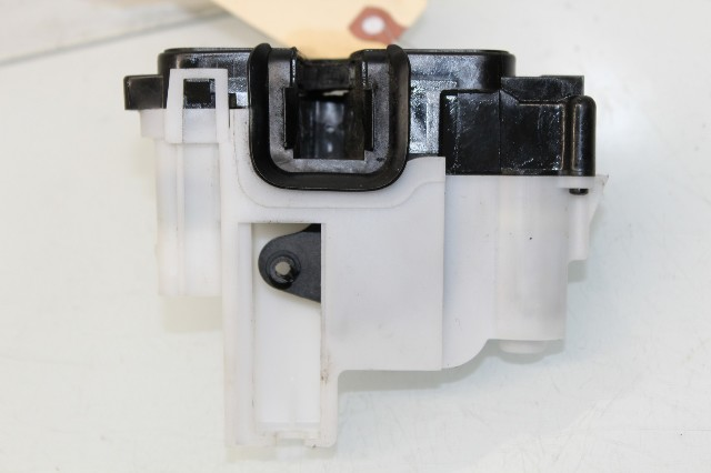 2012 2013 2014 2015 Fiat 500 Right Front Door Latch Lock 68194739AC