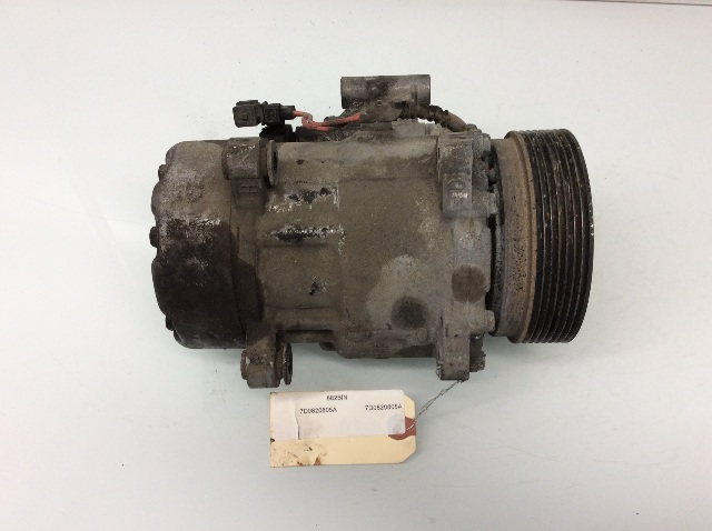 1997 - 2000 2001 Volkswagen EuroVan A/C Air Conditioner Compressor 7D0820805A