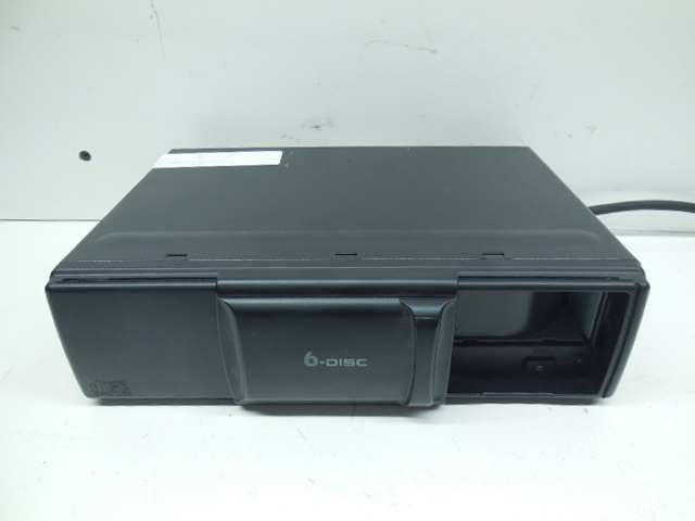 2000 2001 2002 2003 2004 2005 2006 Audi TT 6 Disc CD Changer 8N7035111A