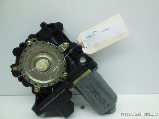 2000 2001 2002 2003 2004 2005 Audi TT Right Power Window Motor 8N8959802B