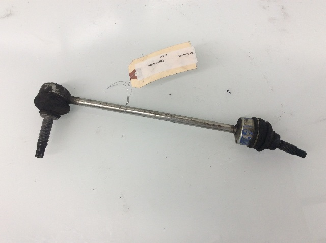 2005 2006 2007 2008 2009 Land Rover LR3 Front Sway Bar Link RBM500190