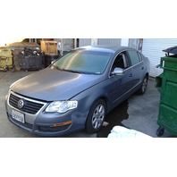 2006 Volkswagen Passat for parts