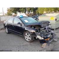 2007 Volkswagen Passat 2.0t hit front for parts