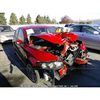 2004 Volvo S40 damaged in front red 2.5 automatic for parts