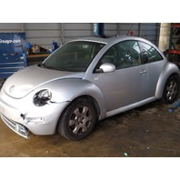 2002 Volkswagen Beetle 1.8t automatic damaged front for parts