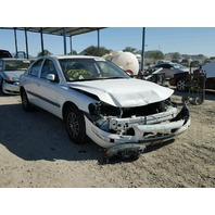 2004 Volvo S60 2.4 automatic white damaged front for parts