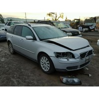 2005 Volvo V50 silver 2.4 automatic damaged front for parts