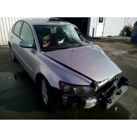 2006 Volvo S40 4 door damaged left front 2.4 automatic for parts