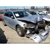 2012 Volkswagen Passat 4 door 2.5 automatic silver damaged front for parts