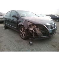 2006 Volkswagen Passat 2.0t automatic sedan black damaged right front for parts