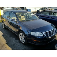 2008 Volkswagen Passat 2.0 automatic blue damaged rear for parts
