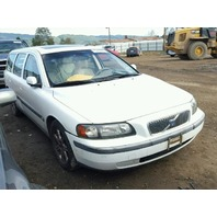 2004 Volvo V70 white 2.4 automatic FWD flood damage for parts