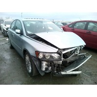2006 Volvo S40 silver 2.5 automatic damaged front for parts