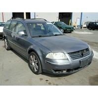 2005 Volkswagen Passat GLX wagon grey 2.8 damaged front for parts