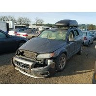 2008 Volvo XC70 bronze damaged front for parts