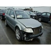 2005 Volkswagen Passat wagon silver 1.8t 5 speed damaged rear for parts