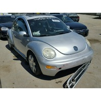 2001 Volkswagen Beetle 1.8t 5 speed damaged left side for parts