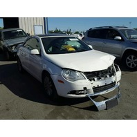 2007 Volkswagen Eos white 2.0t 6 speed damaged front for parts