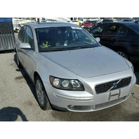 2005 Volvo S40 T5 silver damaged left side for parts