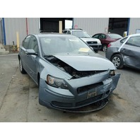 2005 Volvo S40 blue damaged front for parts