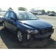 2007 Volvo S40 blue damaged front for parts