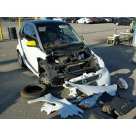 2014 Smart Fortwo Boconcept white damaged front for parts