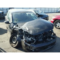 2012  Volkswagen Golf 2.5 damaged right front for parts