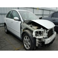 2006 Volvo S40 white damaged front for parts