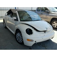 2005 Volkswagen Beetle convertible roll over damage for parts