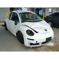 2010 Volkswagen Beetle 2.5 automatic roll over damage for parts