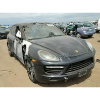 2011 Porsche Cayenne Turbo black right door burn for parts