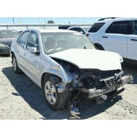 2005 Volkswagen Jetta 2.0 silver damaged front for parts
