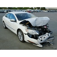 2011 Volkswagen CC 2.0 automatic damaged front for parts