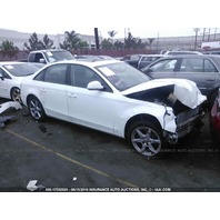 2009 Audi A4 2.0t automatic white damaged front for parts