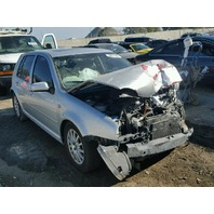 2004 Volkswagen Golf 4 door silver damaged front for parts