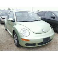 2006 Volkswagen Beetle green 2.5 automatic for parts