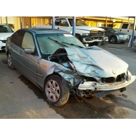 2004 Bmw 325XI silver damaged right front for parts