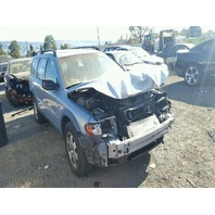 2001 Volvo XC70 silver damaged front for parts