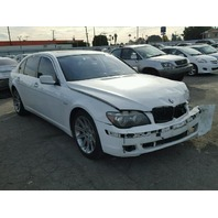 2006 Bmw 750li white hit front for parts