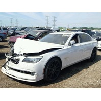 2010 Bmw 750il white hit right front for parts