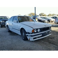 1995 525I SDN 4DR/WHTE FRONT DAMAGE FOR PARTS
