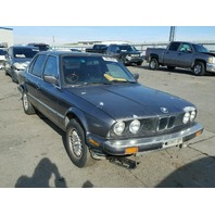 1986 Bmw 325e 4dr grey hit left rear for parts