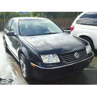 2004 Volkswagen JETTA SDN 4DR/BLACK LEFT QATER PANEL DAMAGE FOR PARTS