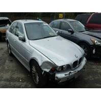 2001 Bmw 540i silver hit right front for parts