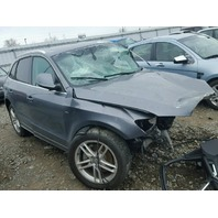 2013 Audi Q5 damaged front for parts