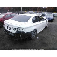 2013 Bmw M5 white hit front for parts