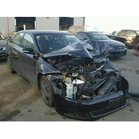 2013 Volkswagen Jetta 4dr 2.5 black damage front for parts