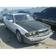 2000 Bmw 740il white damage front for parts